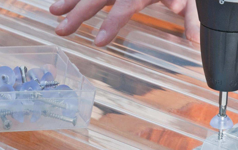 Tôn polycarbonate cùng các ứng dụng phổ biến