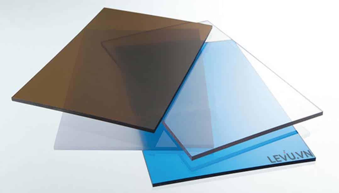 ưu điểm tấm lợp lấy sáng đặc ruột polycarbonate