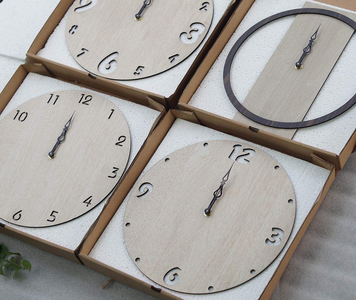 Đồng hồ treo tường kim trôi có phát ra tiếng động không?