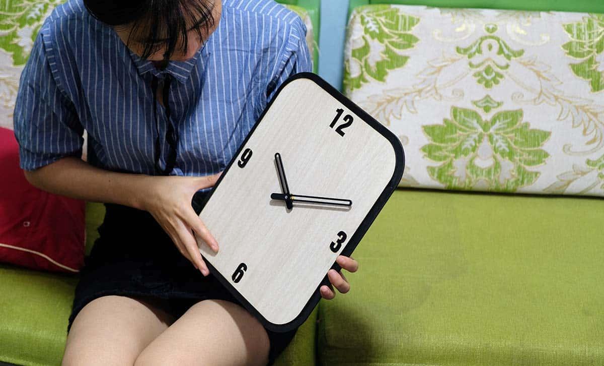đồng hồ treo tường chữ nhật