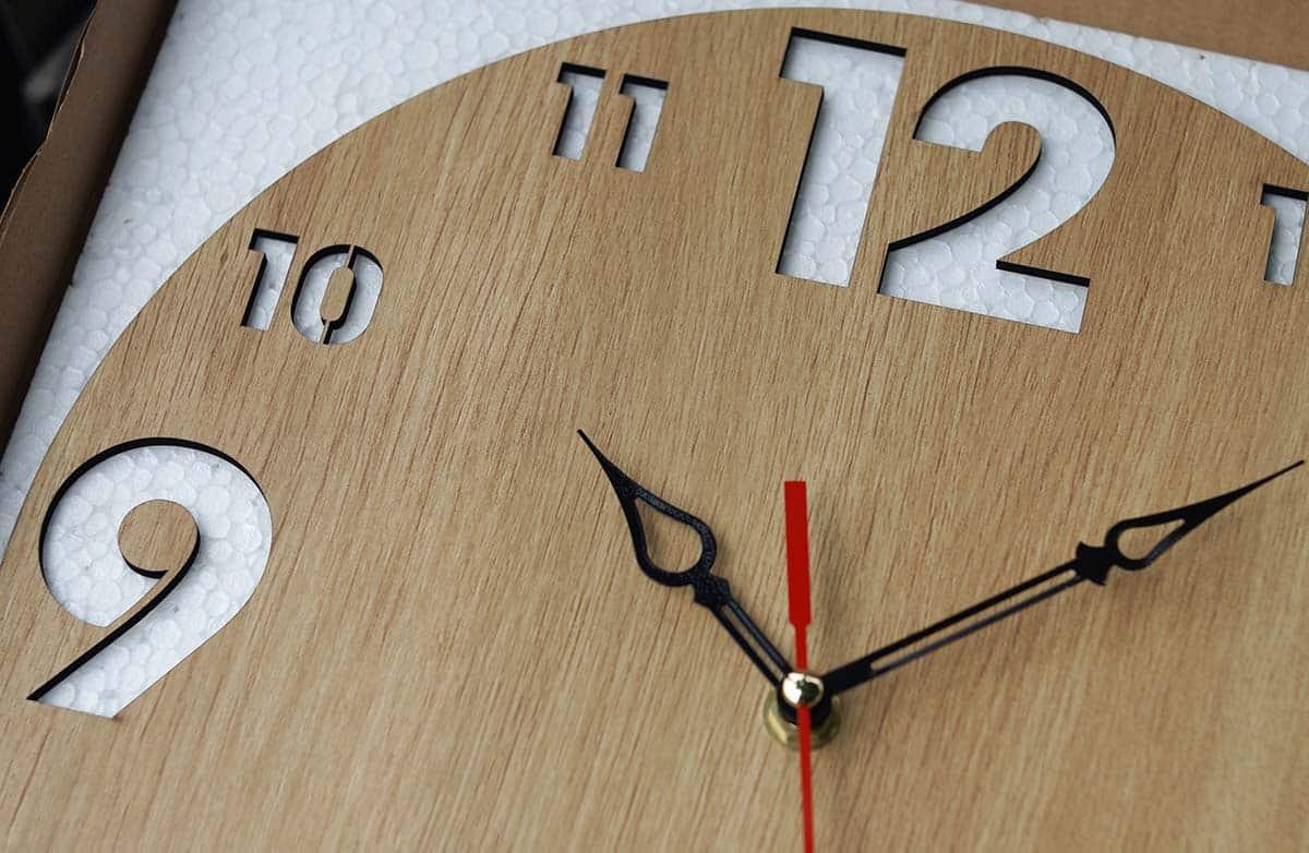 Công ty sản xuất đồng hồ gỗ treo tường ở đâu TPHCM?