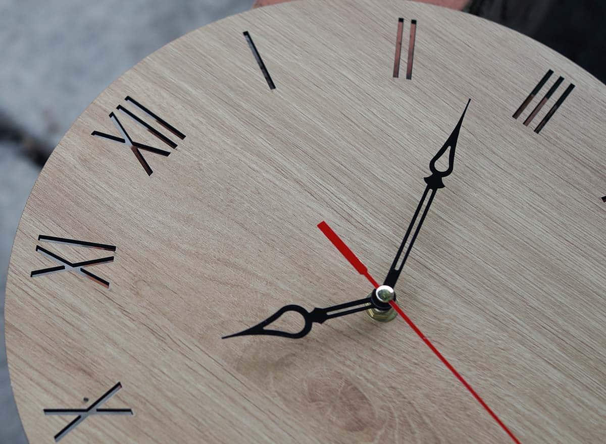 Ưu điểm của đồng hồ gỗ decor giá rẻ