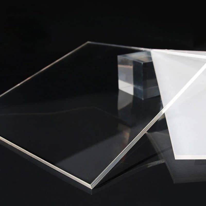 tấm mica trong kính