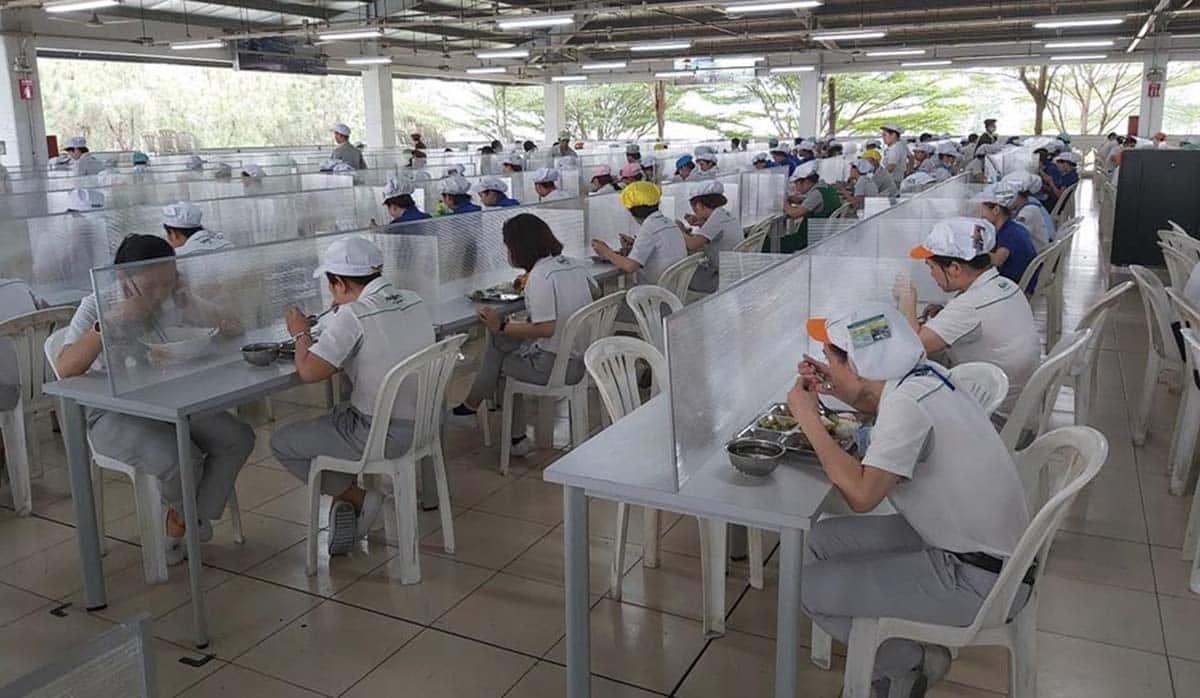 Đơn vị thi công vách ngăn bàn ăn trọn gói tại TPHCM